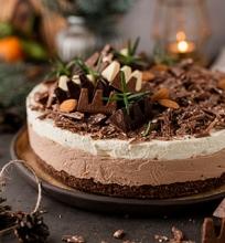 Nekeptas pieniško šokolado sūrio tortas