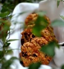 Avižiniai sausainiai su razinom ir saulėgrąžom