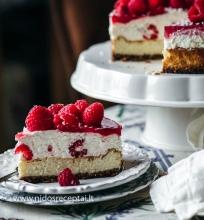 Varškės tortas su avietėmis
