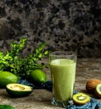 Žaliasis kokteilis su ledais