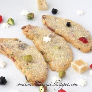 Trapūs sausainiai su spanguolėmis, pistacijomis ir imbieru