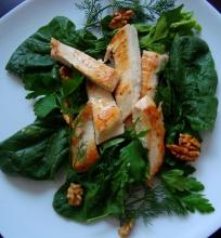 Vištienos ir špinatų salotos/užkandis