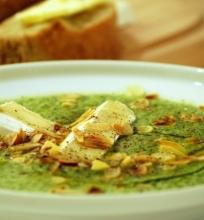 Trinta brokolių sriuba su sūriu ir migdolais