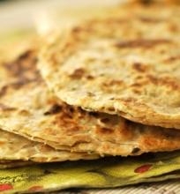 Plokščioji indiška duona su sėlenimis