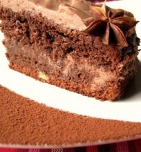 Šokoladinis morkų-riešutų pyragas