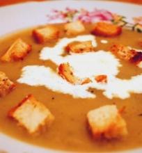 Prancūziška bulvių ir svogūnų sriuba