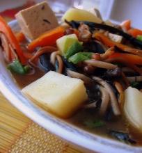 Tiršta miso sriuba su enoki grybais, hijiki jūržole ir tofu