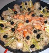 Paella su vištiena ir krevetėmis