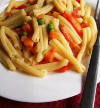 Makaronai su daržovėmis ir greitinėle