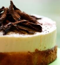Baltojo šokolado triufelinis pyragas