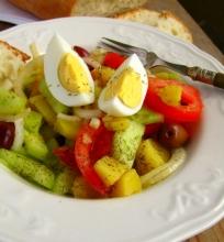 Kaimiškos graikiškos salotos