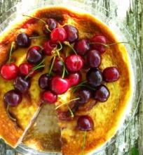 Sūrio ir varškės pyragas su vyšniomis