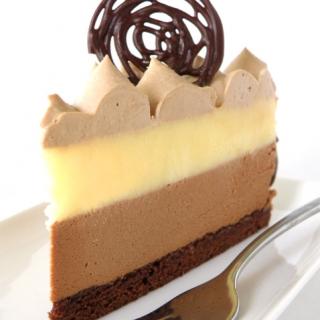 Šokolado ir citrusinių vaisių tortas