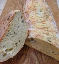 Sūrio duonelė su svogūnais