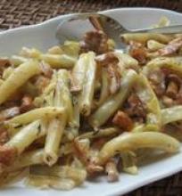 Šparaginės pupelės su voveraitėmis