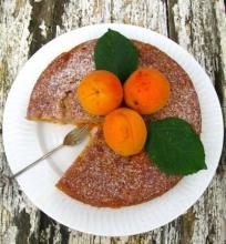 Abrikosų pyragas su marcipanais