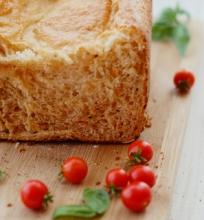 Duona su mocarela ir džiovintai pomidorais