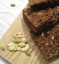 Ruginė duona su sėklomis