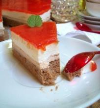 Egzotiškas želė tortas