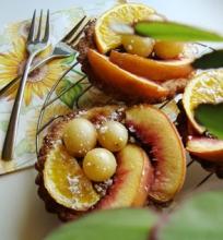 Pyragėliai su kremu ir vaisiais