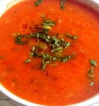 Keptų pomidorų ir raudonų paprikų sriuba