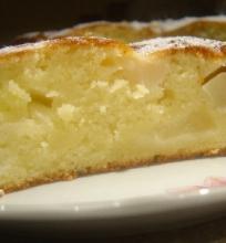 Obuolių – kriaušių pyragas