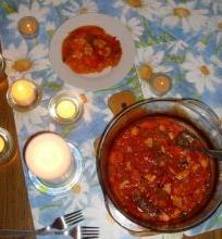 Vištienos troškinys su baltuoju vynu, pomidorais bei čiobreliais