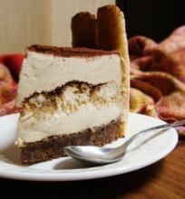 Tiramisu sūrio tortas