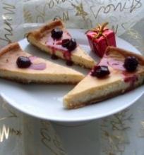 Baltojo šokolado varškės pyragas su apelsinų žievelių cukatomis ir vanilės gaidel e