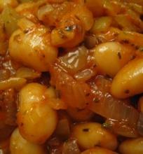 Fasulas- baltų pupelių salotos