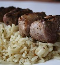 Armėniški vištienos šašlykai su ryžių plovu