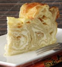 Lavašo vyniotinių pyragas