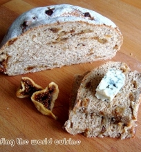 Duona su grūstais pipirais ir figom