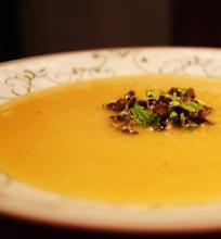 Pankolių sriuba su citrina ir gremolata