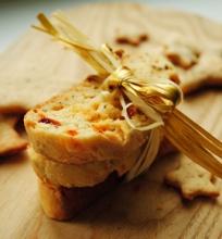Sūrūs biscotti su džiovintais pomidorais
