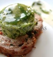 Maltos mėsos vyniotinis ir cukinijų salotos