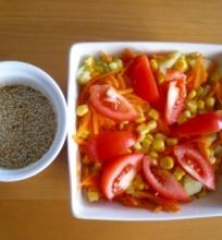 Salotos su sezamo sėklų padazu
