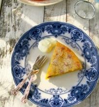Kukurūzų kruopų (polenta) pyragas