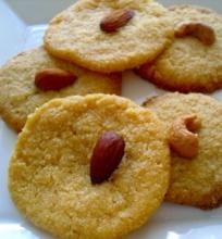 Nan khatai- indiški sviestiniai sausainiai su manais