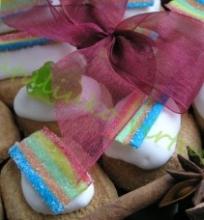 Spalvotieji sausainiai
