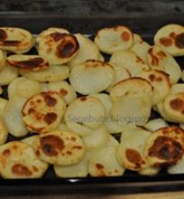 Orkaitėje užkeptos bulvės