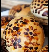 Skanios bandelės ir TAPYBA ant duonos