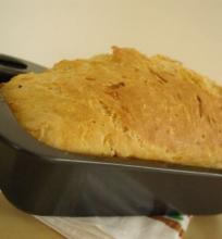 Cukinijų ir sūrio duona
