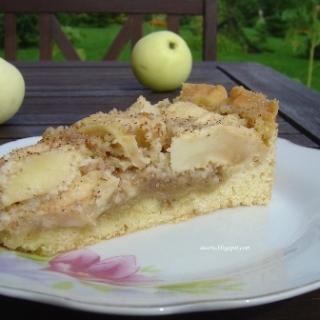 Migdolinė obuolių tarta