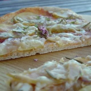 Rupių miltų pica