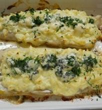 Sūriu su mėlynuoju pelėsiu užkepta lydeka