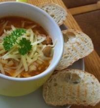 Vištienos sriuba su pievagrybiais