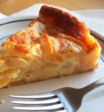 Obuolių pyragas su romu