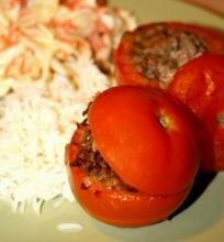 Aviena kimšti pomidorai