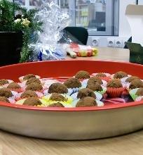 Šokoladiniai triufeliai su karamelės įdaru